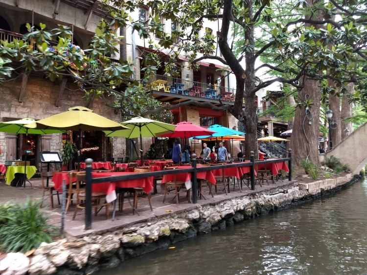 Restaurant by the Canal